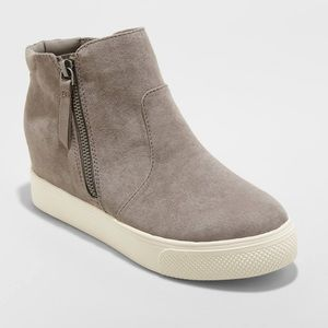 Universal Thread Shoes | Sneaker Boots | Size: 6
